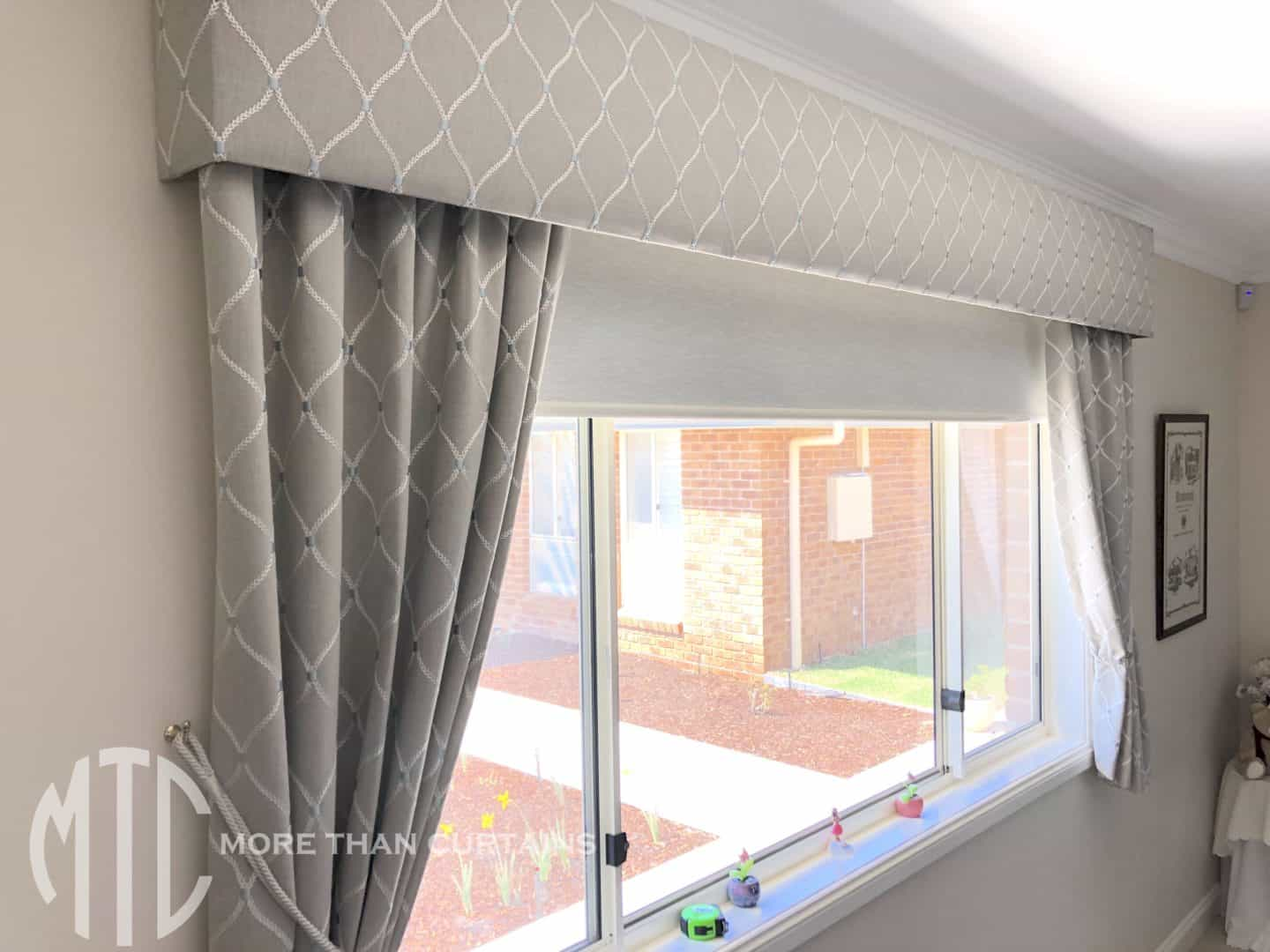 Trellis patterned pelmet with matching curtain